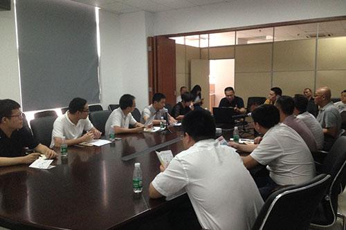 1-与广州市应急办、团市委及其他相关单位负责同志座谈,交流社区应急志愿服务站建设相关问题